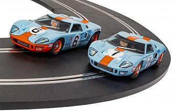 Ford GT40 1969 - Gulf Twin Pack – Limited Edition SCALEXTRIC C4041A