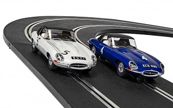 Jaguar E-Type - First Win 1961 Twin Pack - Autíčko SCALEXTRIC C4062A - Limited Edition