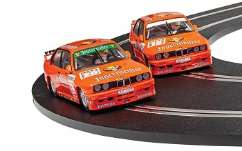 BMW E30 M3 - Team Jagermeister Twin Pack - Autíčko Limited Edition SCALEXTRIC C4110A